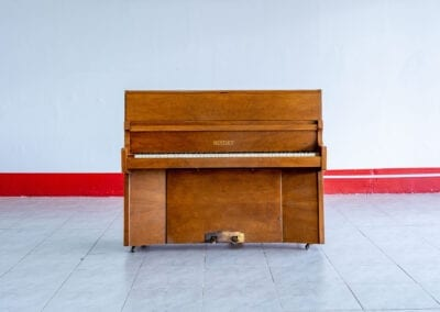 Bentley – Acoustic Upright Piano