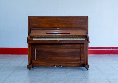 Berry London – Acoustic Upright Piano